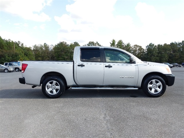 Pre-Owned 2008 Nissan Titan XE